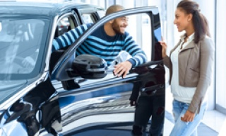 Top Tips for Purchasing a Preowned Car in the Digital Age